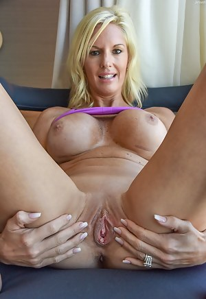 Hot sexy mature tube