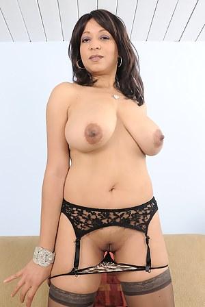 Free Latina MILF Porn Pictures