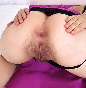 Free MILF Asshole Porn Pictures