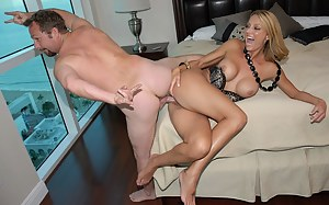 Free MILF Bizarre Porn Pictures