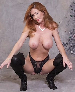 Free Redhead MILF Porn Pictures