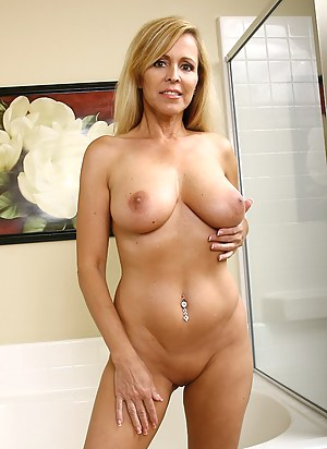 Free MILF Perfect Tits Porn Pictures