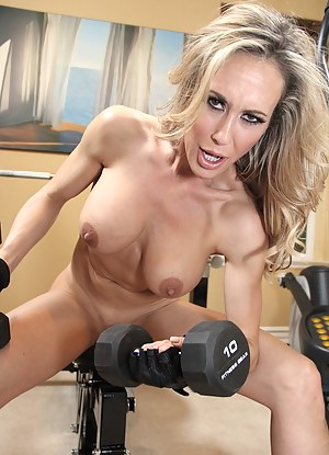 Free MILF Gym Porn Pictures