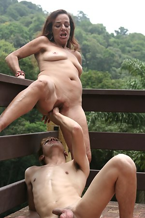 Free MILF Fisting Porn Pictures